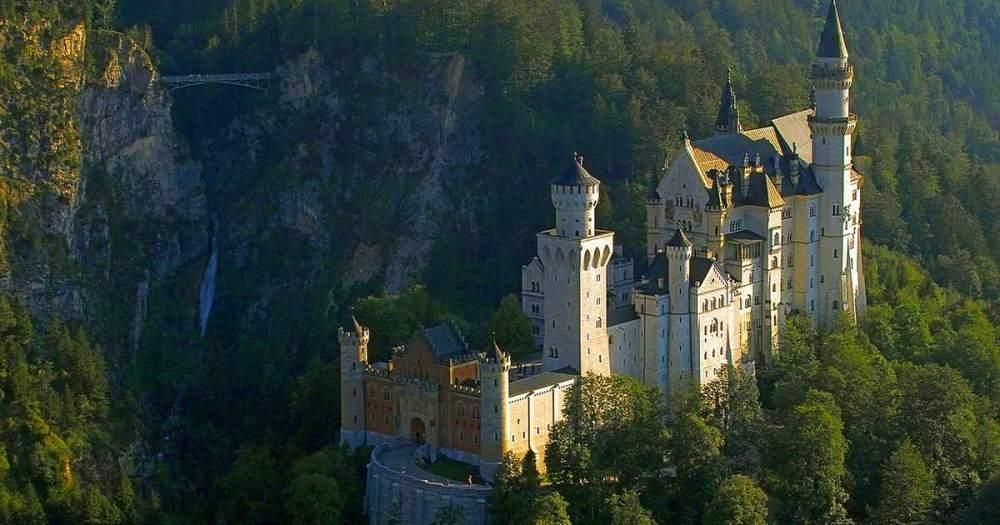 castle-2602180_1280
