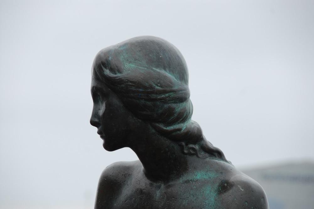 statue-3105055_1280